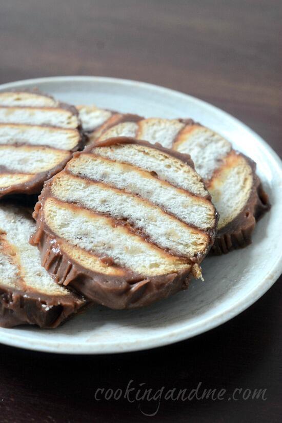 Marie Biscuit Chocolate Logs Reciipe