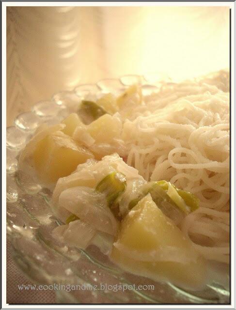 Idiyappam with Potato Stew-Idiyappam Recipe-Sevai Recipe