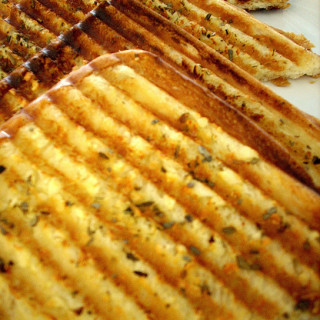 Grilled Garlic Bread-Grilled Garlic Toast Recipe