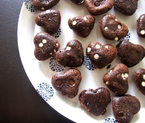chocolate fudge cakes, heart fudge gooey cake recipe