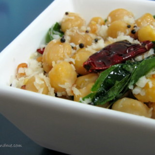 Kadalai Sundal Recipe / Chickpeas Sundal Recipe