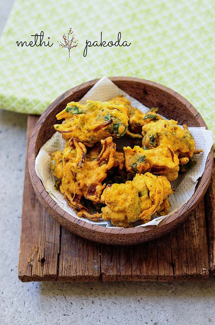 quick and easy indian snack recipes - methi pakoda recipes