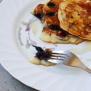 Eggless Blueberry Pancakes | Eggless Pancakes Recipe (Fluffy and Soft)