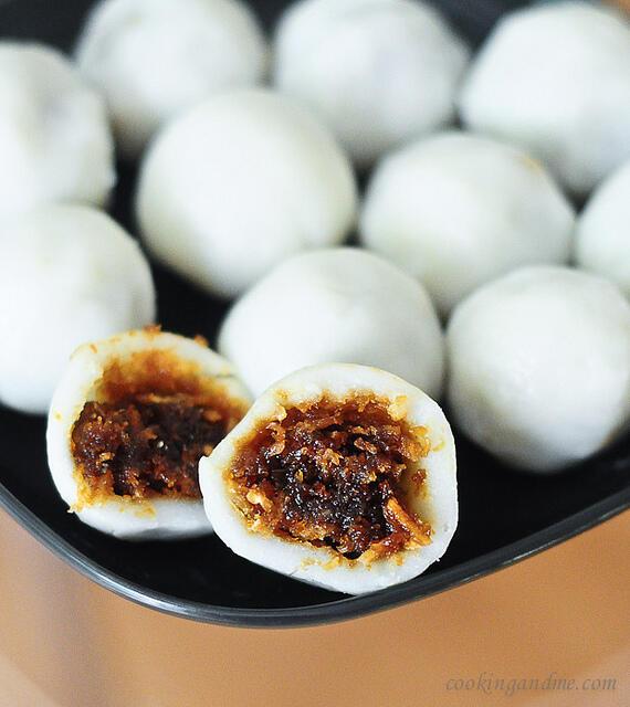 Vella Kozhukattai Recipe - Modakam (Mothagam) for Vinayaka Chaturthi