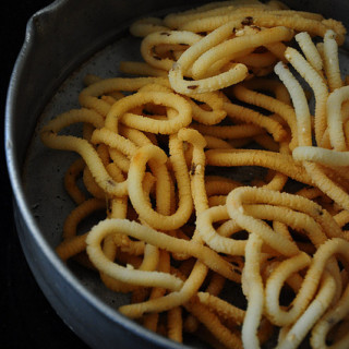 Murukku Recipe | Thenkuzhal Murukku Recipe | Step By Step Recipe