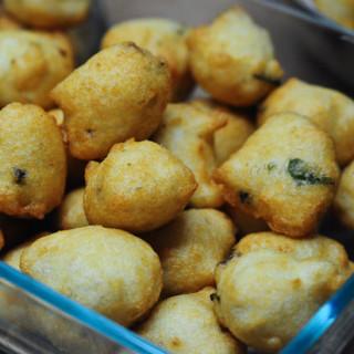 Mysore Bonda | Mysore Bajji | Ulundu Bonda Recipe