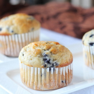 Blueberry Muffins with Yogurt | Guest Post