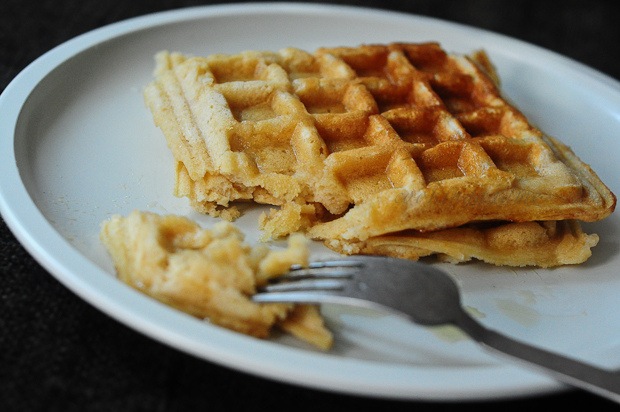 Eggless Whole Wheat Waffles Recipe