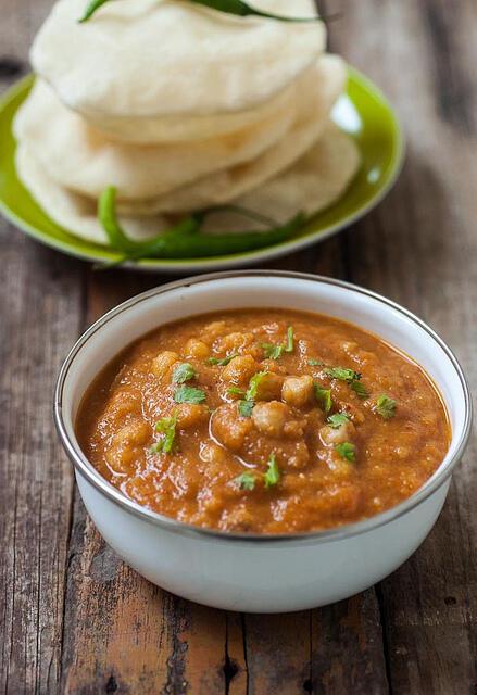 Chana Masala Recipe - Chole Masala Recipe for Batura, Poori, Chapati