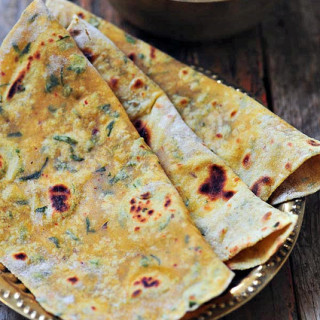 Methi Thepla – Gujarati Methi Thepla Recipe