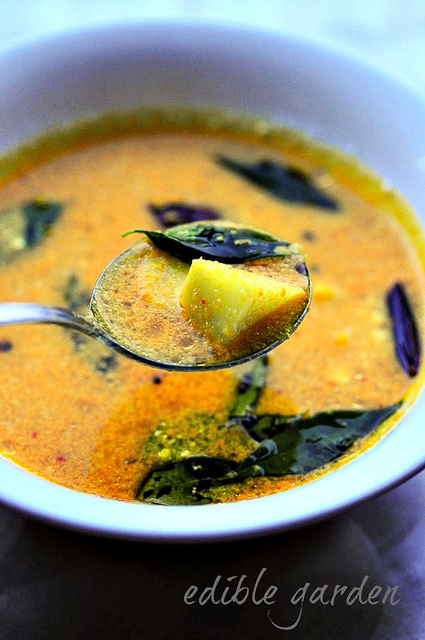 Pulissery recipe, Kerala pulissery recipe for Onam sadya