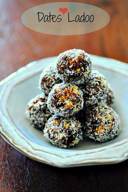 date & nut balls - dates and nuts laddu or ladoo