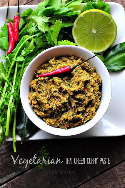 how to make green chilli paste
