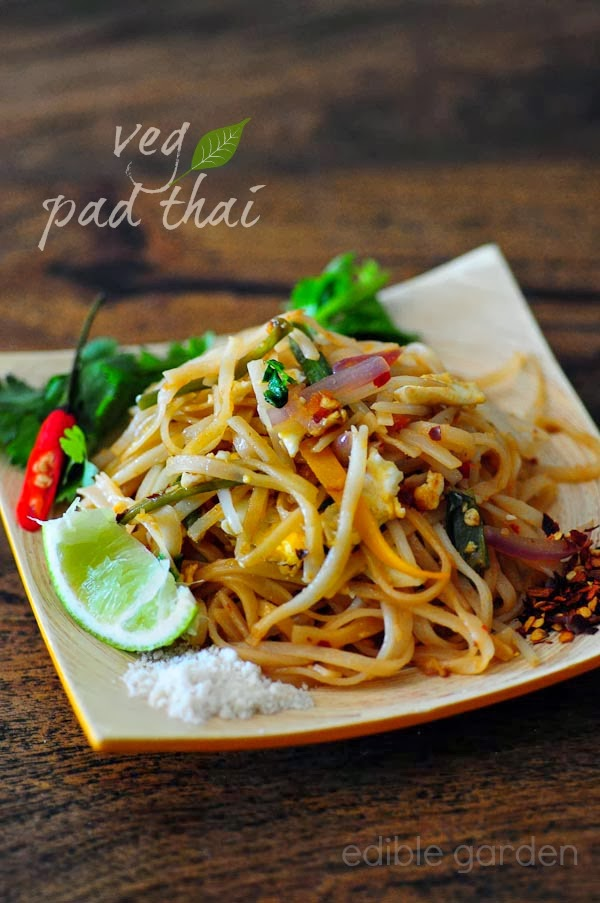 Pad Thai - Vegetarian Pad Thai Noodles Recipe, Step by ...