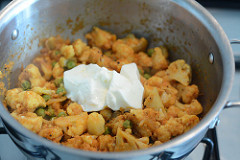 cauliflower green peas coconut curry recipe-10