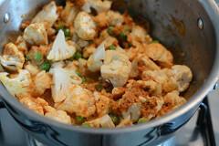cauliflower green peas coconut curry recipe-8