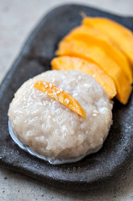 recipes to use up ripe mangoes - thai mango sticky rice