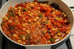 chana capsicum curry recipe-6