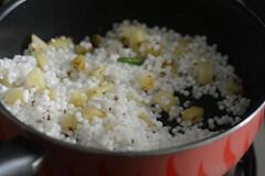 sabudana khichdi, sago khichdi recipe-6