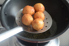 bread gulab jamun recipe, how to make gulab jamun with bread-6
