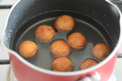 bread gulab jamun recipe, how to make gulab jamun with bread-10