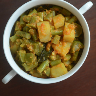 aloo beans recipe, how to make pressure cooker aloo beans (opos recipes)