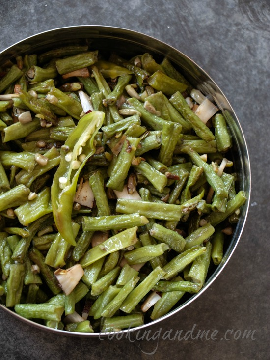 Achinga mezhukkupuratti, long yard beans Kerala-style