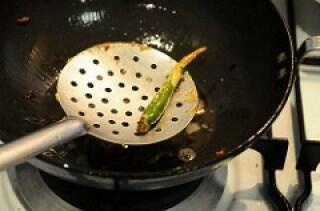 green chilli for vada pav