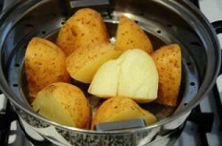 boiled or steamed potatoes for vada pav