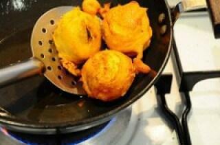 golden fried vada for vada pav